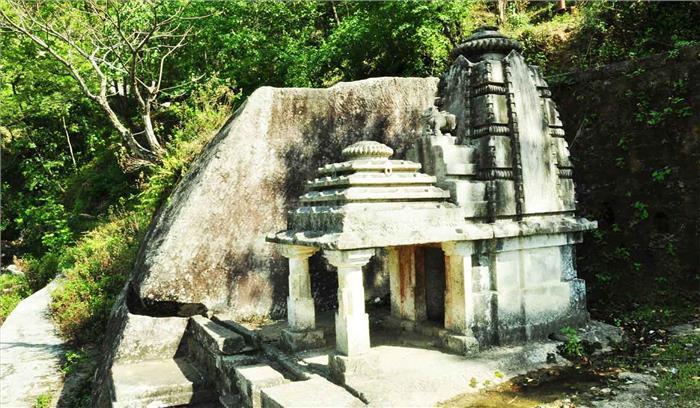 देवभूमि में भगवान भोलेनाथ का एक ऐसा मंदिर जहां पूजा करने को अपने लिए खतरा मानते हैं भक्त