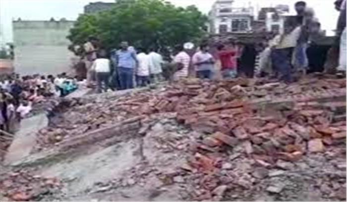 गाजियाबाद में 5 मंजिला इमारत गिरने के बाद प्रशासन की खुली नींद, 7 दिनों के अंदर अवैध निर्माण को गिराने के निर्देश