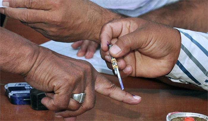 live शाम 5 बजे तक 65 फीसदी तक मतदान दूसरे चरण के मतदान में दोनों पार्टियों के समर्थकों में हिंसक झड़प