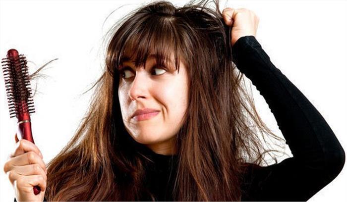 मानसून के मौसम में बालों का रखें खास ध्यान , अपनाएं ये आसान उपाय