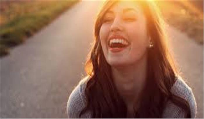 बहुत ज्यादा खुश या दुखी रहना आपके लिए बन सकता है इस बीमारी का कारण, पढ़े पूरी रिपोर्ट