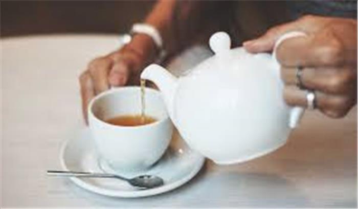 दिन में कई बार चाय पीने वाले हो जाएं सावधान, दांत और हड्डियां हो सकते हैं कमजोर
