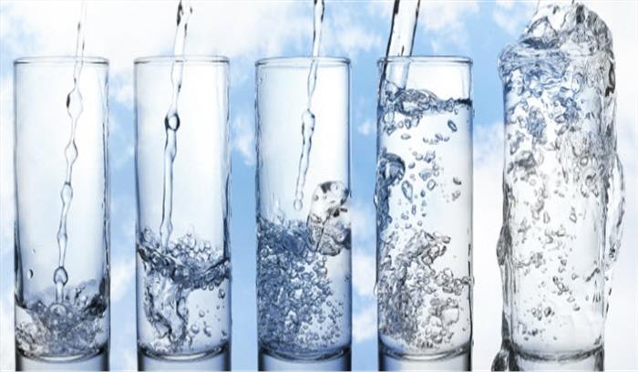 जानिए मौसम के अनुसार कितना पानी पीने की आवश्यकता होती है हमारे शरीर को...