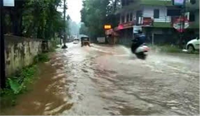केरल में बारिश बनी आफत, एक बच्ची की गई जान, 10 लापता
