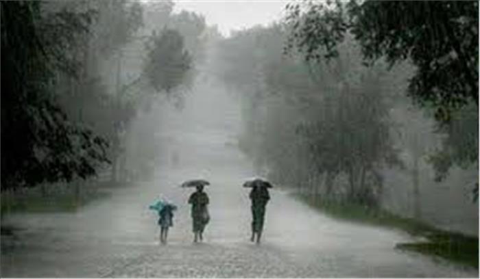 उत्तर से लेकर दक्षिण तक बारिश का कहर, केरल में 20 लोगों की मौत