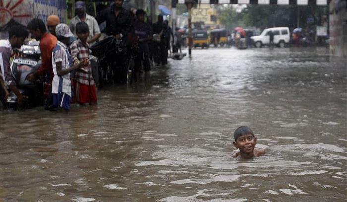 तमिलनाडु में भारी बारिश जारी, प्रशासन ने जारी किए हाई अलर्ट, स्कूल काॅलेजों को बंद रखने के आदेश
