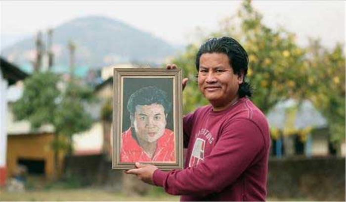 हिमाचल के रहने वाले इस व्यक्ति ने एक बाल से पेंटिंग बनाकर दुनियाभर में बनाएं कई रिकॉर्ड