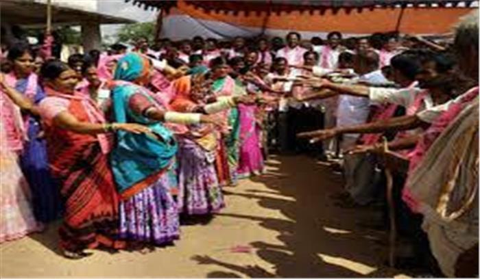 टीआरएस का वोटरों को साधने का अनोखा तरीका, धार्मिक स्थानों में दिला रहे शपथ