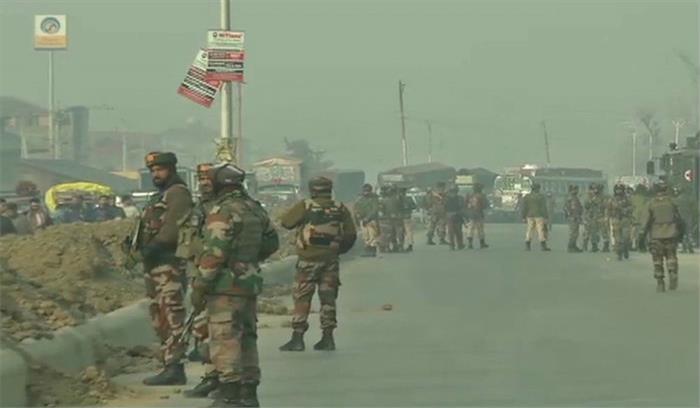 Live: श्रीनगर में आईईडी मिलने से हड़कंप, श्रीनगर-बारामुला हाईवे पर यातायात रुका, बम निरोधक दस्ता मौके पर मौजूद