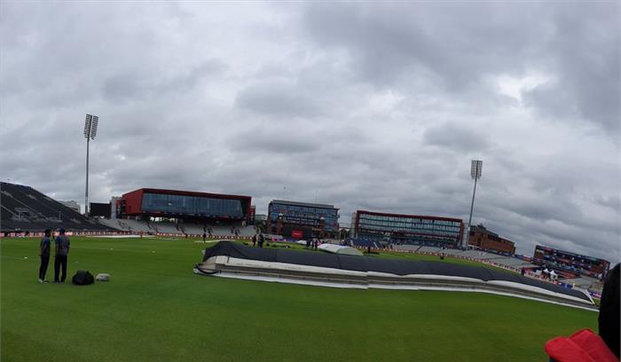 India vs New Zealand LIVE - मैनचेस्टर के आसमान पर छाए हैं बादल , हल्की बारिश के बीच होगा सेमीफाइनल मुकाबला