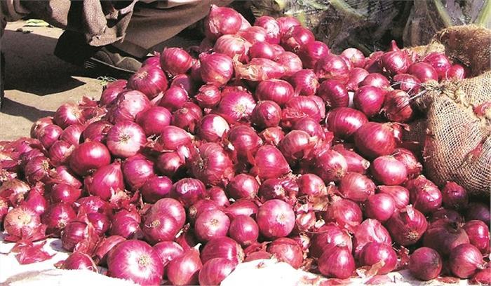 जिस प्याज को हम 30 रुपये/किलो में खरीद रहे , मंडी में किसानों को उसके मिल रहे 2 रुपये , ऐसे में क्या करे अन्नदाता