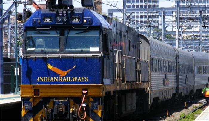 रेलवे की लापरवाहियों की शिकायत करने के लिए मंत्रालय ने यात्रियों को दिए दो नए एप, जानिए क्या लाभ मिलेगा जनता को