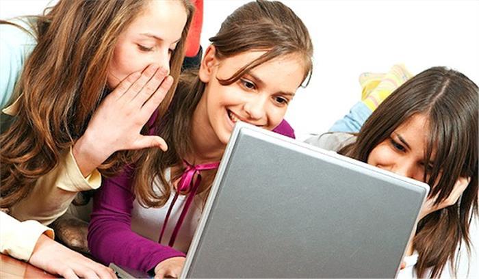 इंटरनेट एक सुविधा या खतरा, पढ़े पूरी रिपोर्ट