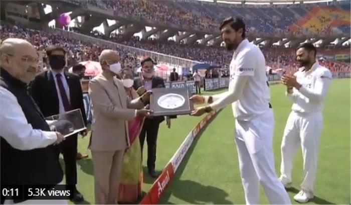 नरेंद्र मोदी स्टेडियम में देसी-विदेशी खिलाड़ियों ने