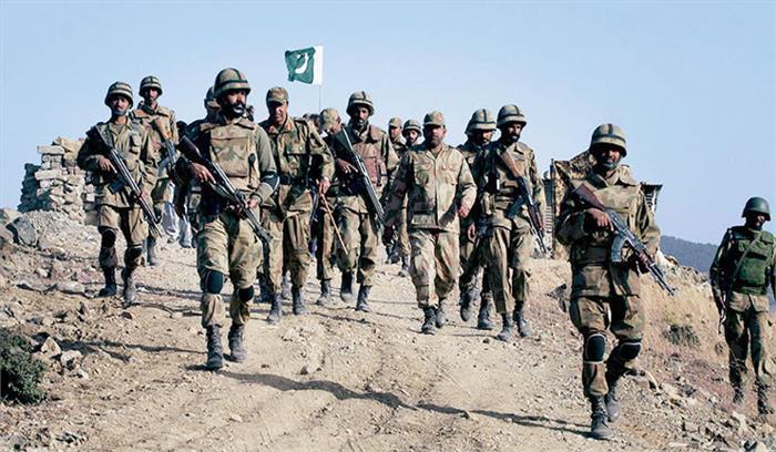 सेना की कार्रवाई से बौखलाया पाकिस्तान, अंतरराष्ट्रीय सीमा पर 'बैट' की तैनाती