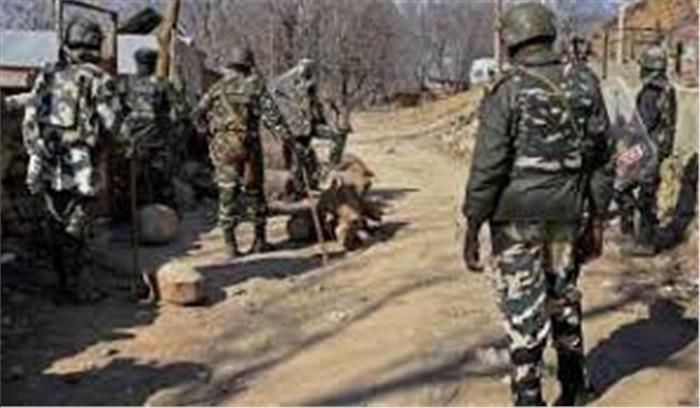 हंदवाड़ा में पेट्रोलिंग पार्टी पर ग्रेनेड से हमला सुरक्षाबलों ने शुरू किया सर्च आॅपरेशन 3 युवक गिरफ्तार