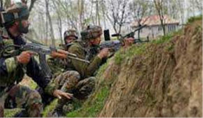 हंदवाड़ा में सुरक्षाबलों और आतंकियों के बीच मुठभेड़ जारी, 2 को उतारा मौत के घाट
