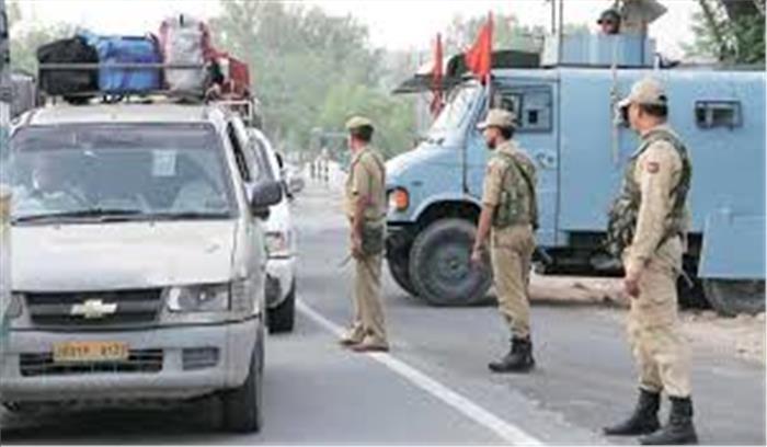 जम्मू श्रीनगर हाईवे पर आतंकियों का हमला, भागने में इस्तेमाल किए गए ट्रक को पुलिस ने लिया कब्जे में, अलर्ट जारी
