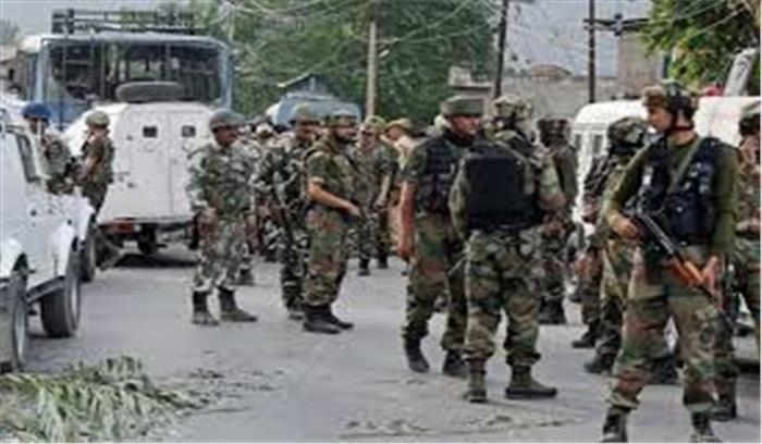 जम्मू कश्मीर में आतंकियों का 'डबल अटैक', पुलवामा और अनंतनाग में सुरक्षाबलों पर ग्रेनेड से हमला, 2 जवान शहीद, 8 घायल