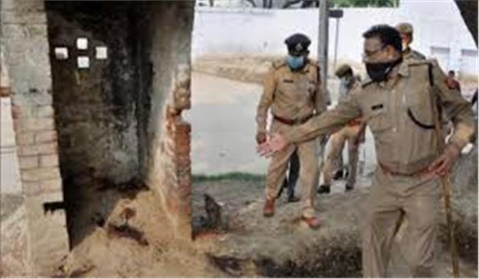 तो क्या चौबेपुर के दरोगा ने साथियों को मरवाने के लिए की मुखबरी! शहीद जवान के हाथ पर मिला संदिग्ध नंबर