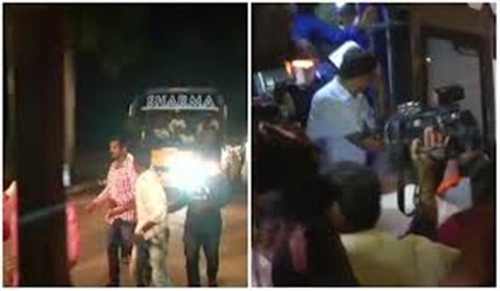 कर्नाटक राजनीतिः भाजपा से डरी कांग्रेस और जेडीएस, विधायकों को बंगलुरु से हैदराबाद किया शिफ्ट
