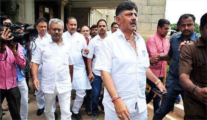 कर्नाटक के बागी विधायक स्पीकर के फैसले के खिलाफ पहुंचे सुप्रीम कोर्ट , कहा -अपने दायित्व का पालन नहीं कर रहे