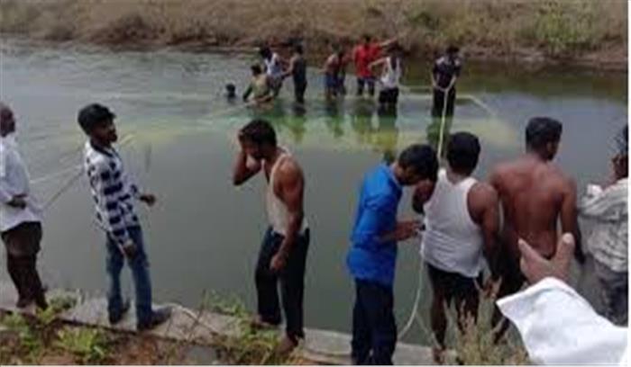 कर्नाटक के मांड्या जिले में यात्रियों से भरी बस गिरी नहर में, 25 लोगों की मौत,  पीएम ने जताया दुख