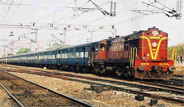 कल से नहीं चलेगी 155 साल पुरानी 'कुली गाड़ी', मालदा रेलवे मंडल ने लिय सेवा बंद करने का फैसला