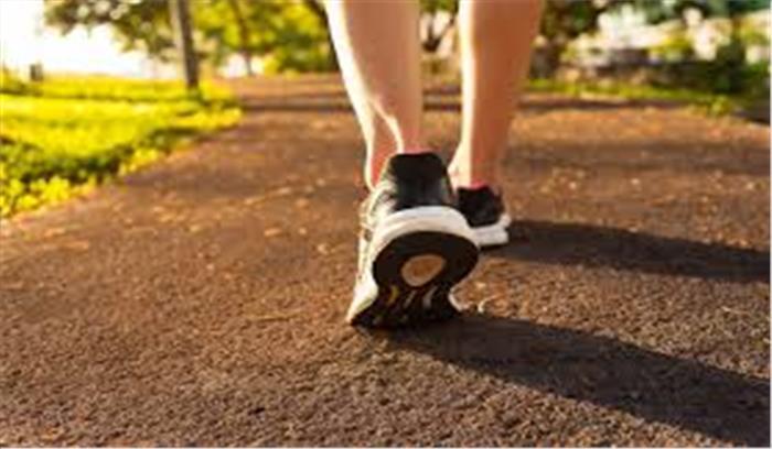 अपने चलने की आदतों में करें बदलाव , BP - कोलेस्ट्रॉल कंट्रोल के साथ शरीर से टॉक्सिन कम करने में पाए मदद