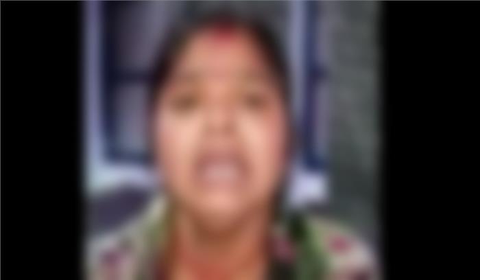 नरेला में शराब माफिया की दरिंदगी, महिला आयोग की कार्यकर्ता को निर्वस्त्र कर घुमाया