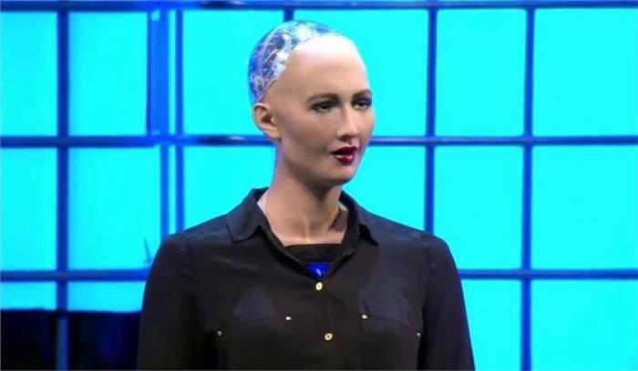 सऊदी अरब रोबोट को नारिकता देने वाला पहला देश बना, रोजमर्रा के कामों के साथ सवालों का भी देगी जवाब