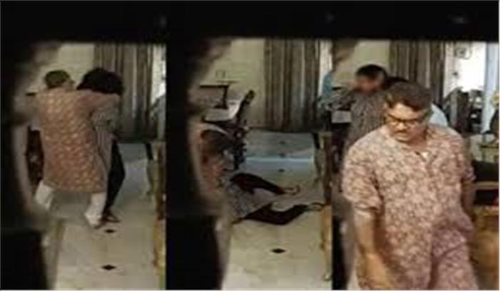 पत्नी को पीटने का वीडियो वायरल होने पर मध्य प्रदेश पुलिस के स्पेशल डीजी पद से हटाए गए , अभी तक कोई FIR नहीं