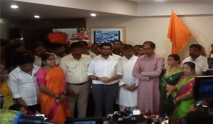 शरद पवार को बड़ा झटका ,NCP मुंबई के अध्यक्ष सचिन अहिर ने पार्टी से इस्तीफा दे शिवसेना का दामन थामा
