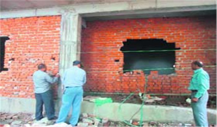 डालनवाला में अवैध निर्माण की जांच करने पहुंची एमडीडीए टीम को बनाया बंधक, पुलिस मामले की जांच में जुटी