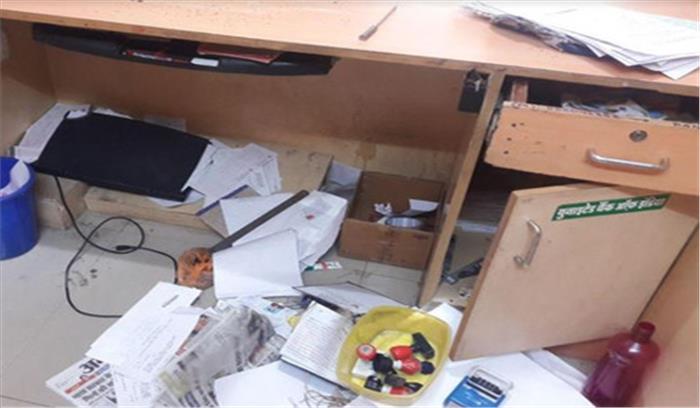 मेरठ - 6 मीटर की सुरंग बनाकर बैंक में घुसे, लॉकर रूम नहीं तोड़ पाने पर कंप्यूटर की हार्ड डिस्क ले गए