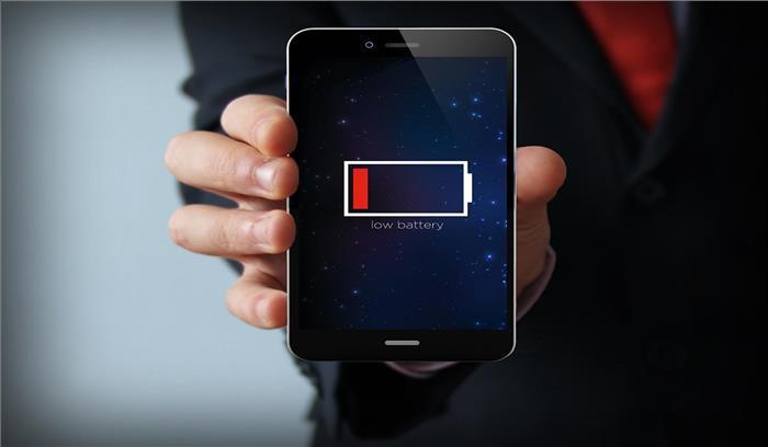 स्मार्टफोन की बैट्री जल्दी खत्म न हो इसके लिए अपनाएं ये टिप्स