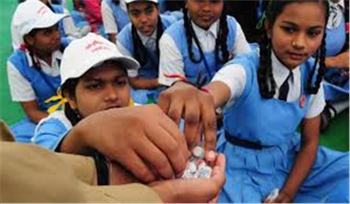 मुंबई के सरकारी स्कूल में आयरन की गोली खाने से 1 छात्रा की मौत, 75 बीमार, अस्पताल में भर्ती