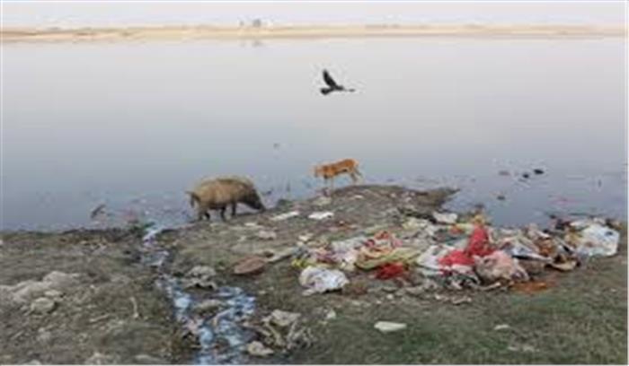 उत्तरप्रदेश में गंगा का पानी हुआ जहरीला, जानवरों के साथ फसलों को भी लायक भी नहीं