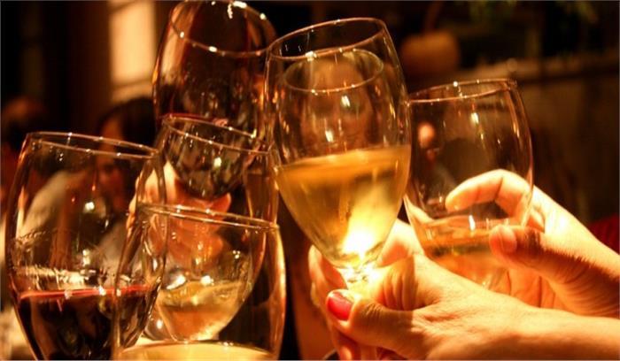 अब जाम छलकाने से पहले लोगों को कई बार सोचना होगा, शराब की कीमतों में 15 फीसदी तक होगा इजाफा