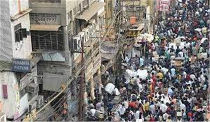 कोरोना का कहर - देश के कई हिस्सों में वीकेंड लॉकडाउन , नाइट कर्फ्यू के बीच बाजारों में उमड़ी भीड़