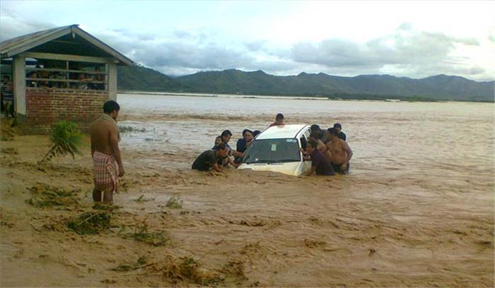 मणिपुर में भारी बारिश ने मचाई तबाही, भूस्खलन में 8 बच्चों समेत 9 लोग जिंदा दफन