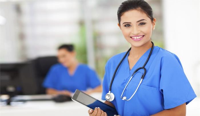 नर्सिंग के क्षेत्र में पुरुष भी बना सकते हैं अपना करियर, जानें कहां से कर सकते हैं कोर्स