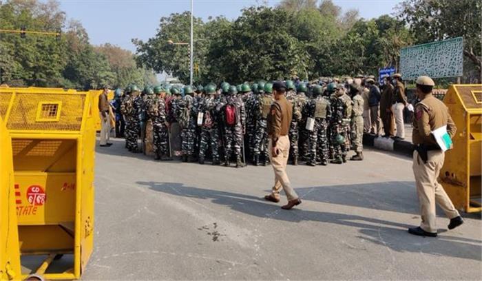 LIVE - दिल्ली के लक्ष्मी नगर से पाकिस्तानी आतंकी गिरफ्तार , ISI ने दिल्ली में हमले की दी थी ट्रेनिंग