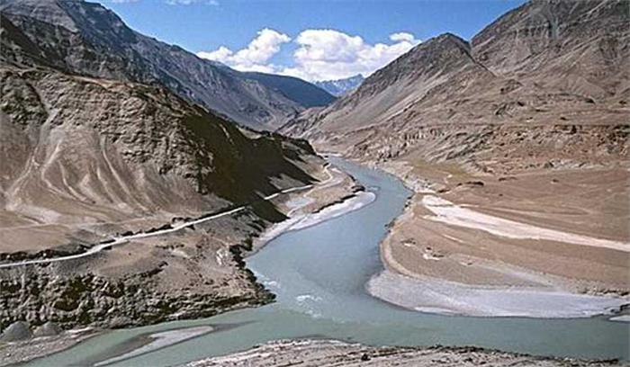 भारत-पाकिस्तान सिंधु नदी जल समझौते पर उच्चस्तरीय बैठक में बातचीत