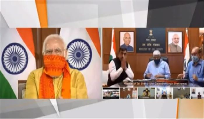 उत्तराखंड में छह मेगा परियोजनाओं का उद्घाटन करके बोले PM मोदी- किसान जिसकी पूजा करते हैं , विपक्ष ने उसे आग लगा दी
