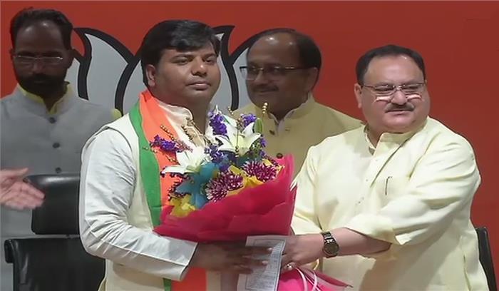 Breaking News - सपा के टिकट पर उपचुनाव जीतने वाले गोरखपुर के सांसद प्रवीण निषाद भाजपा में शामिल, निषाद पार्टी का BJP से गठबंधन