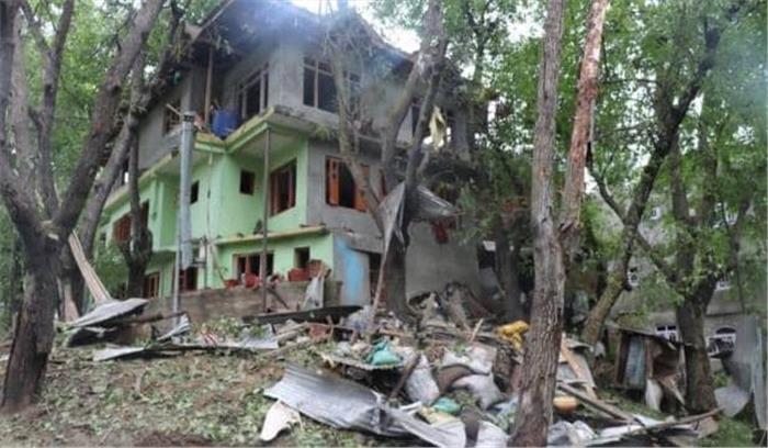 live - पुलवामा आतंकी हमले को दोहराने की थी साजिश  कार से 40 किलो ied बरामद  सुरक्षा बल थे निशाने पर- ig विजय कुमार
