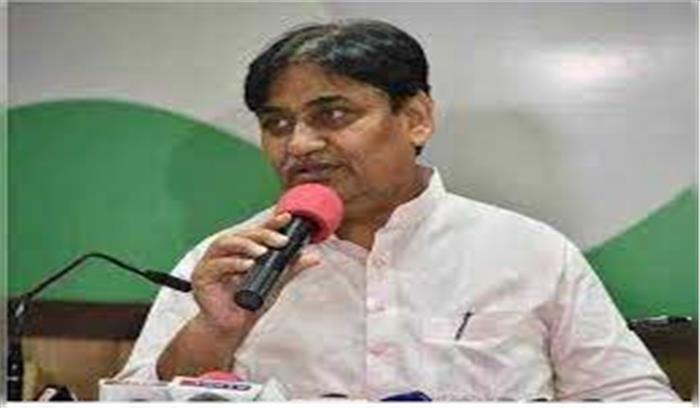 राजस्थान के शिक्षामंत्री ने महिलाओं को बताया सिरदर्द