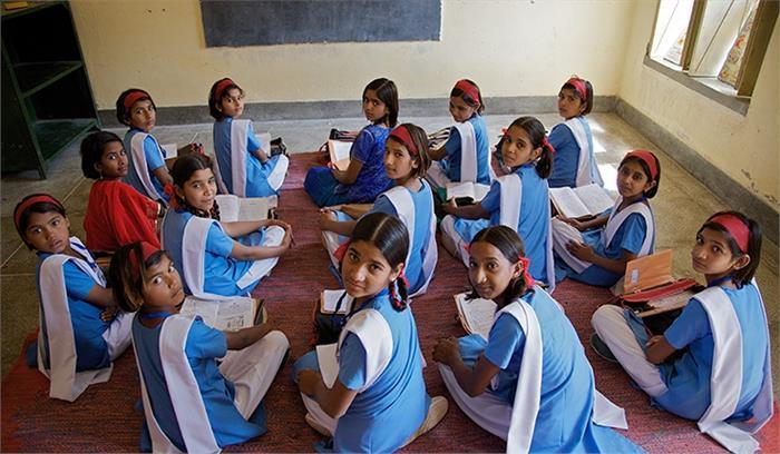 राजस्थान में शिक्षा विभाग का अजीबों गरीब फरमान, स्कूलों में शनिवार को होगा बाबाओं का प्रवचन
