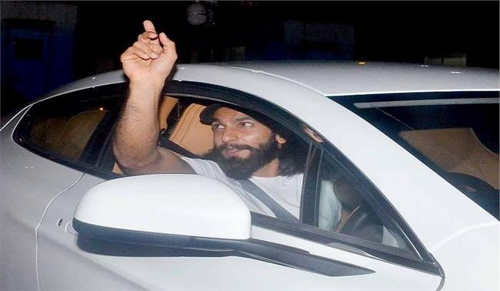 बॉलीवुड के बिट्टू सिंह उर्फ रणवीर ने अपने जन्मदिन पर खरीदी नई कार